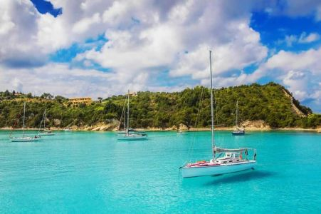 Greece-paxos-lakka-bay-sailboat