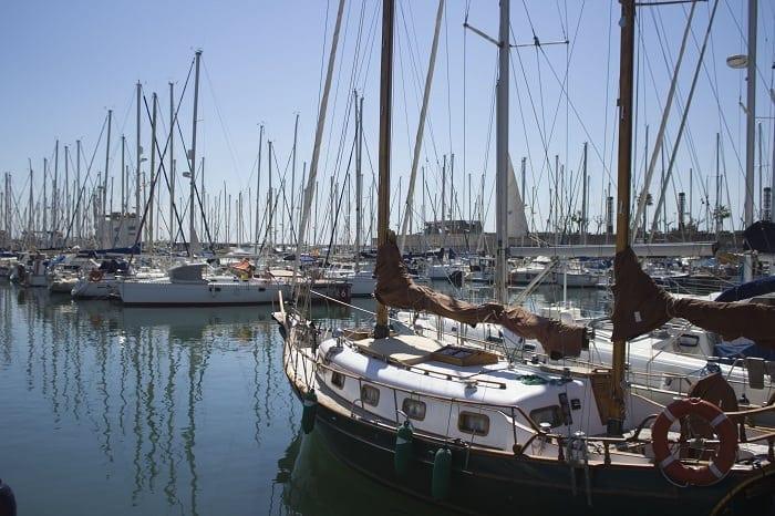 Por qué hacerse socio de un club de navegación en Barcelona