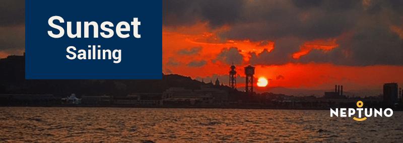 Puesta de sol en velero en Barcelona
