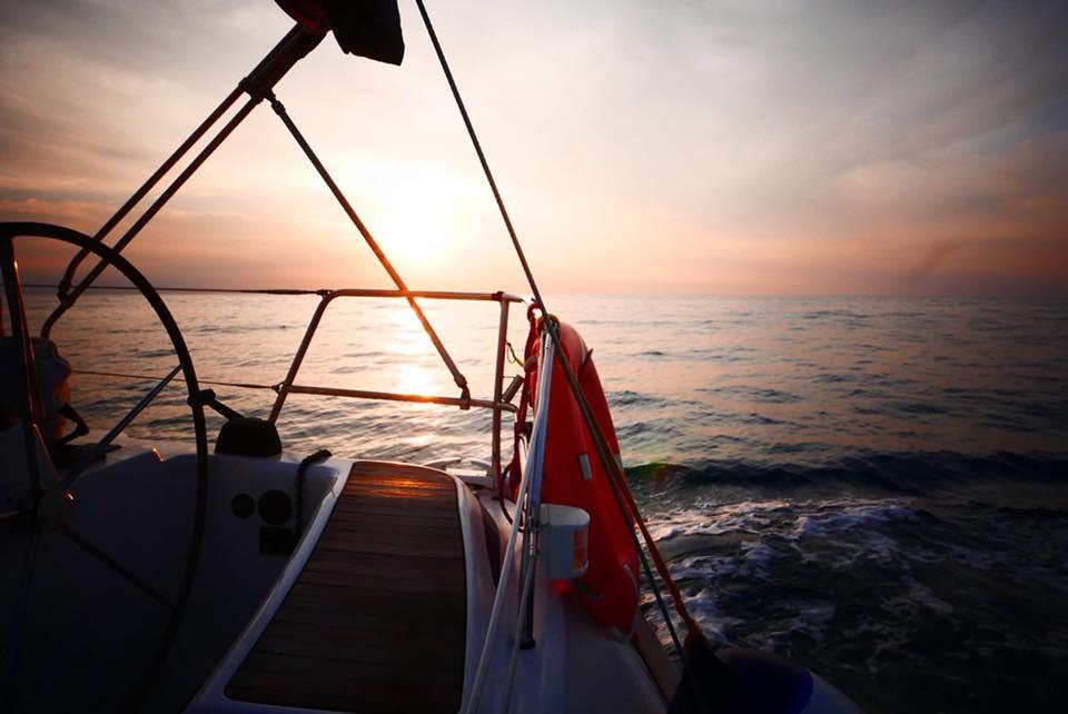 navegar po rel mar